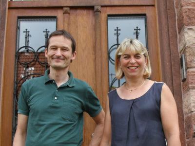 Mit Bürgermeisterin Sieglinde Pfahl (CDU) beim Besuch im Rathaus Heiligkreuzsteinach.
