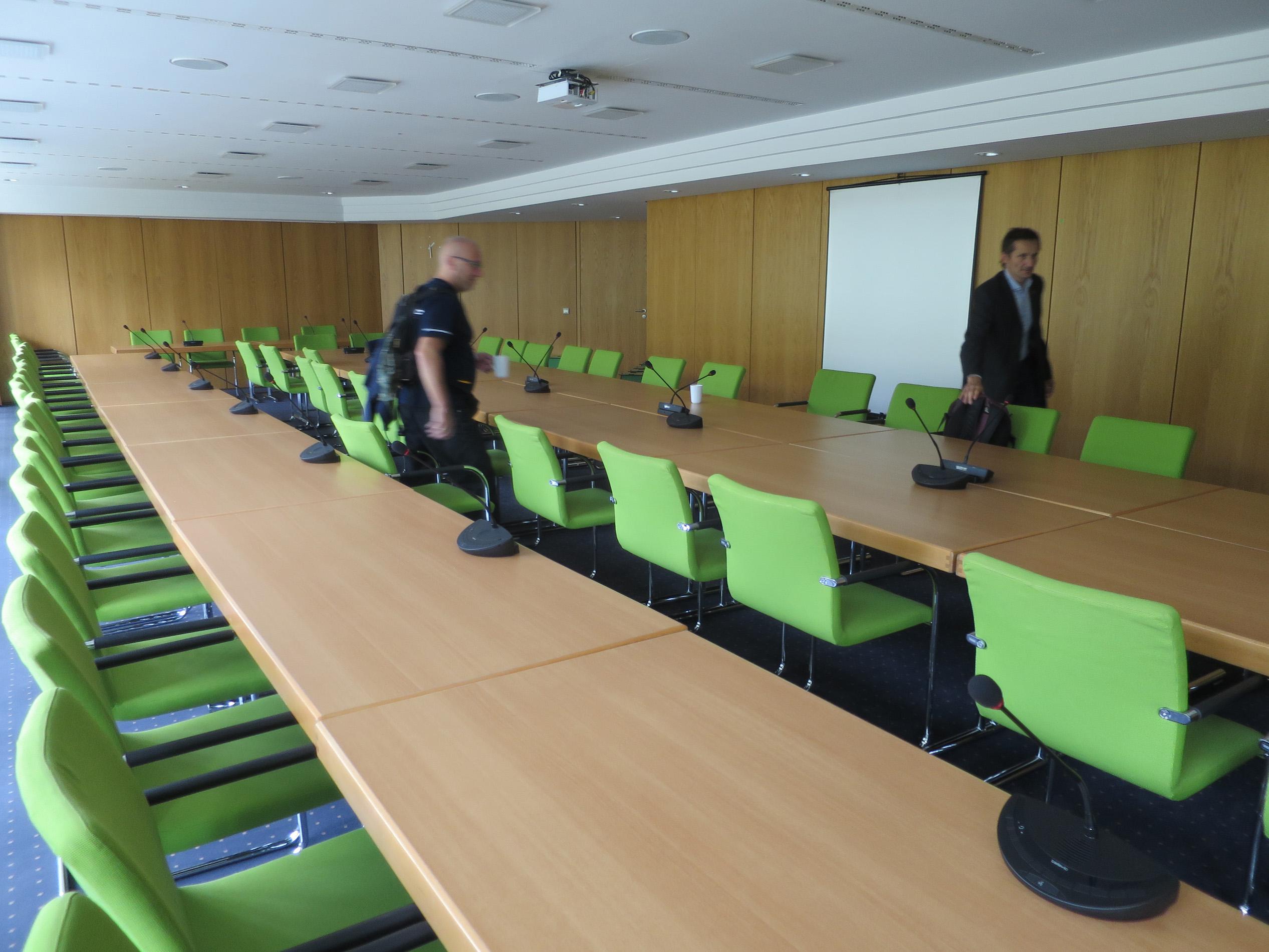 Im Fraktionssitzungssaal.