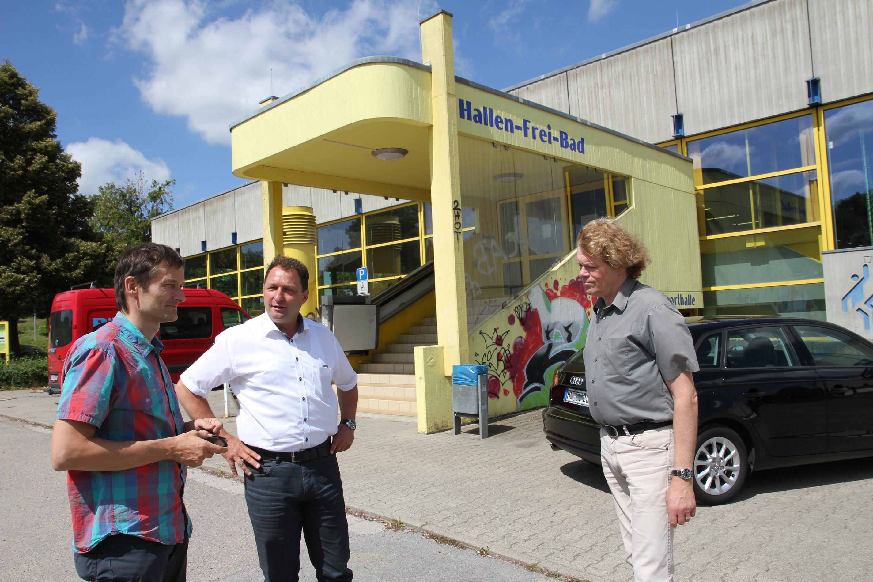 Katzenstein, Locher und Glasbrenner vorm Schwimmbad in Waibstadt