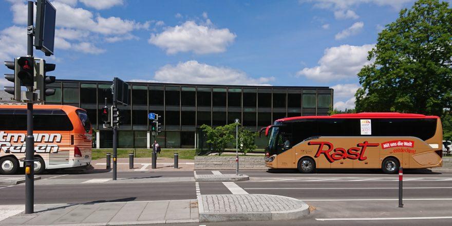 Rede bei Bus-Kundgebung in StuttgartGehe zu